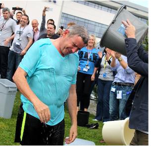 Michel O'Leary y Ice Bucket Challenge