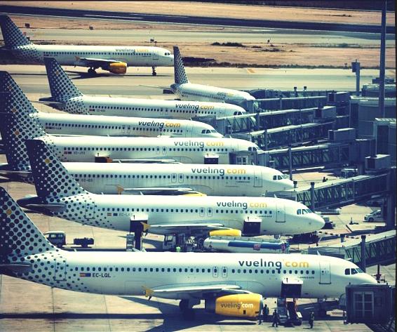 Aviones de Vueling en el Prat de Llobregat
