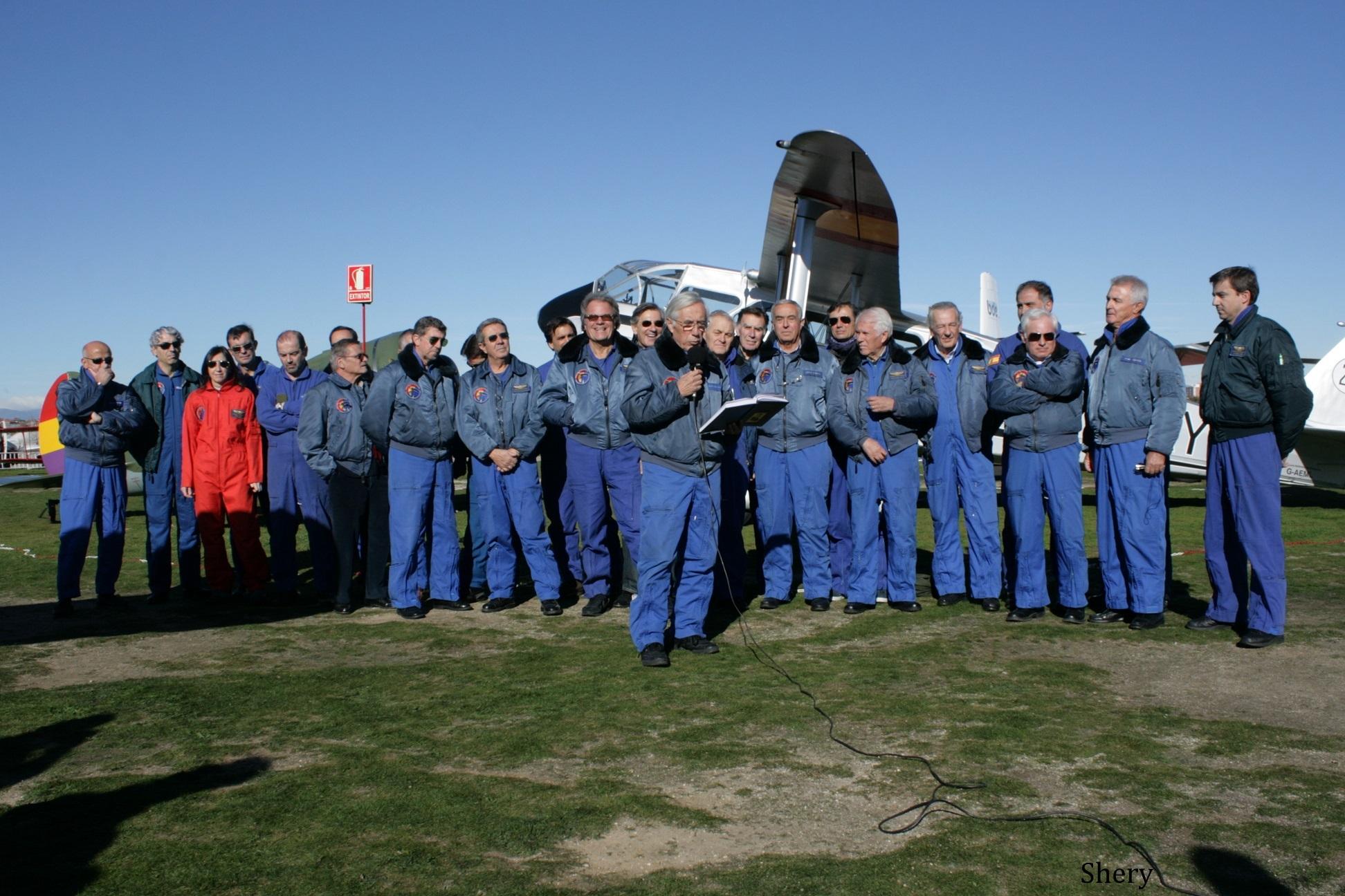 Pilotos y personal técnico FIO. Foto Shery