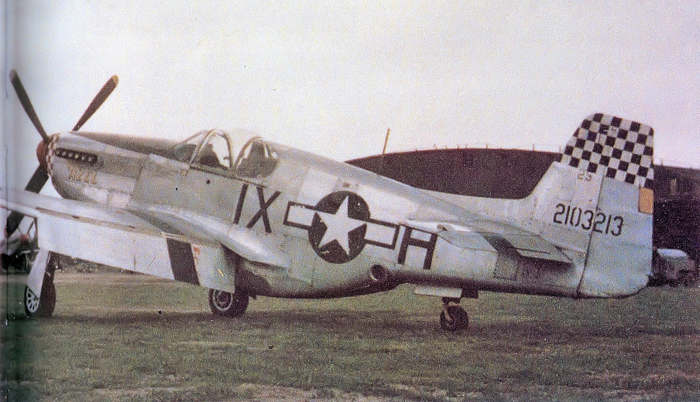 P-51 de reconocimiento (se puede ver claramente la posición de la lente). USAF