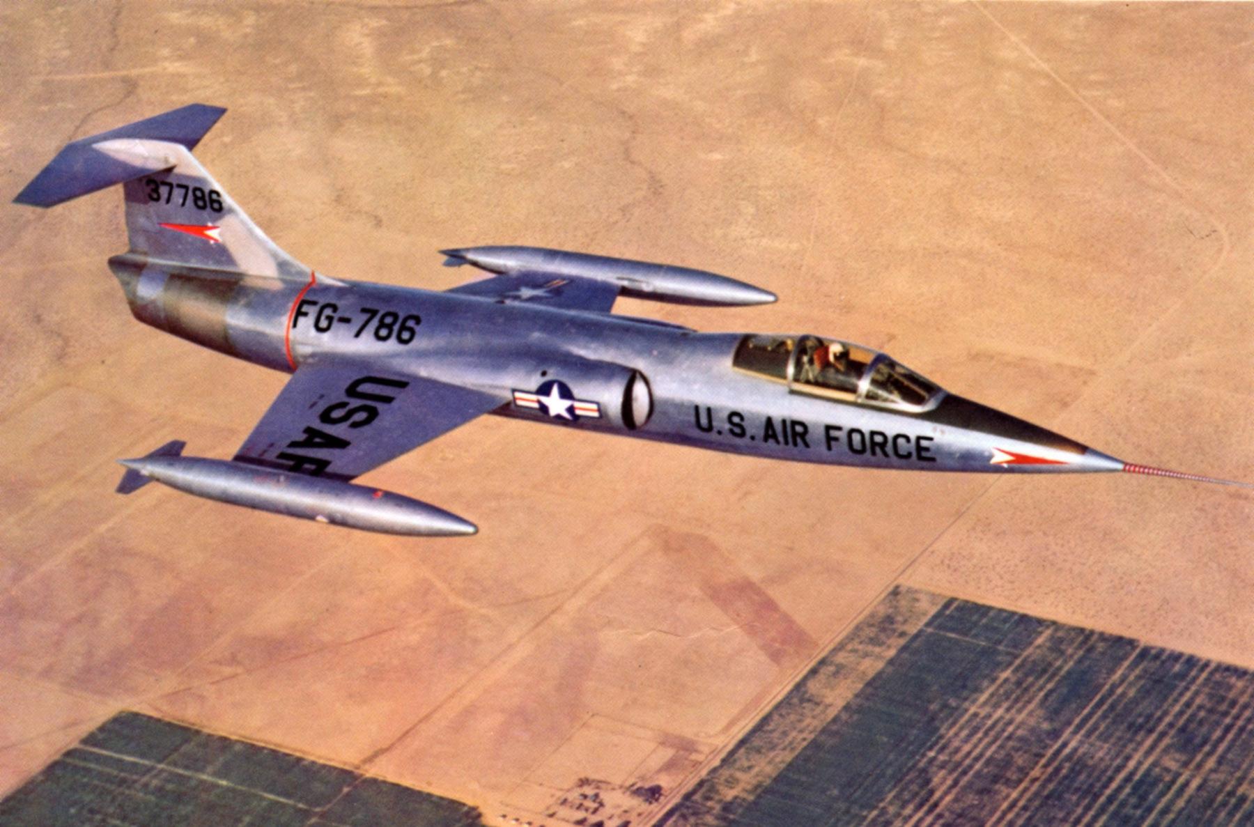 XF-104. (USAF).
