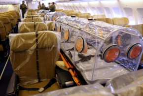 Airbus A310 del 45 Grupo de Ejército del Aire medicalizado y con todas las medidas de seguridad pertinentes.