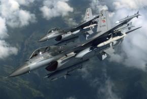 F-16 Bloque 5 de la Fuerza Aérea Turca. Fuente: http://www.salbarmas.com/