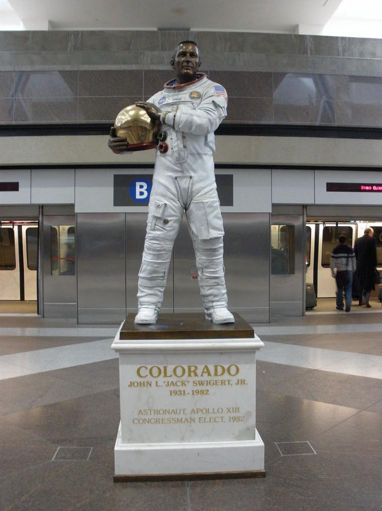 Jack_Swigert_statue_at_Denver_Airport_-_1