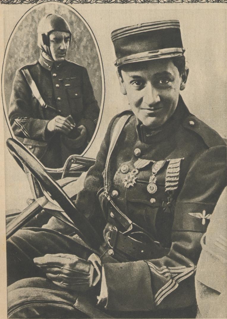 Sobre su guerrera podemos ver, desde el centro del pecho hacia el brazo, la Legión de Honor, la Medalla Militar y la Cruz de Guerra 1914-1918 con varias palmas.  www.ecole-air.fr