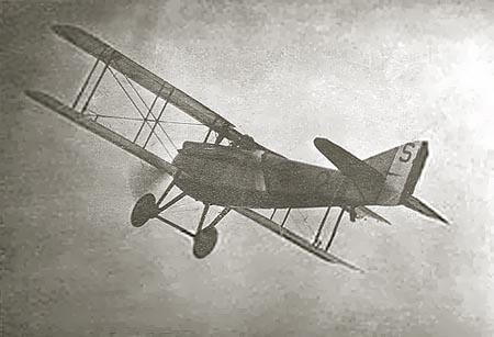Volando en el SPAD de matrícula S.113.  www.earlyaeroplanes.com