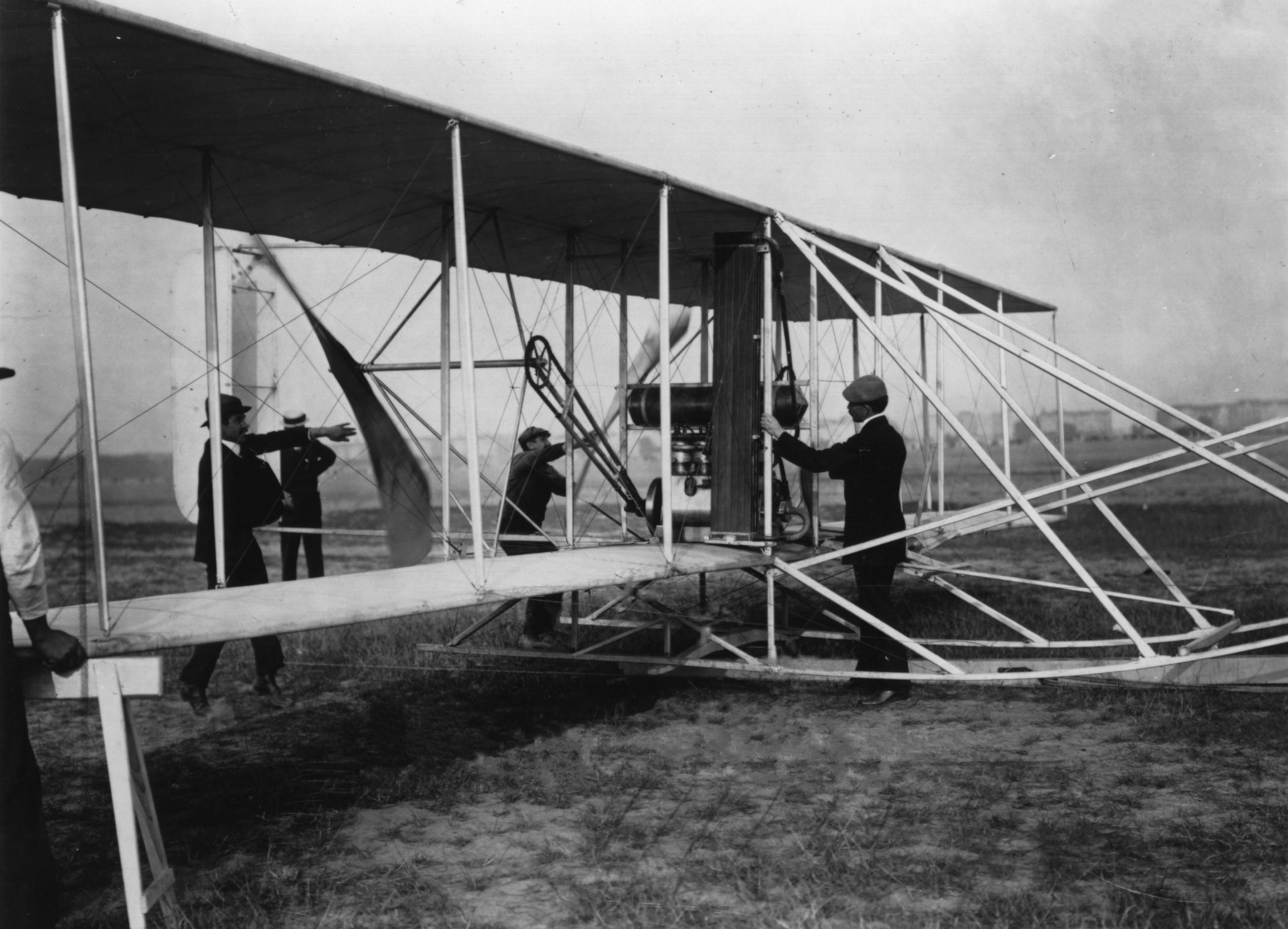 Orville_Wright&flyer1909