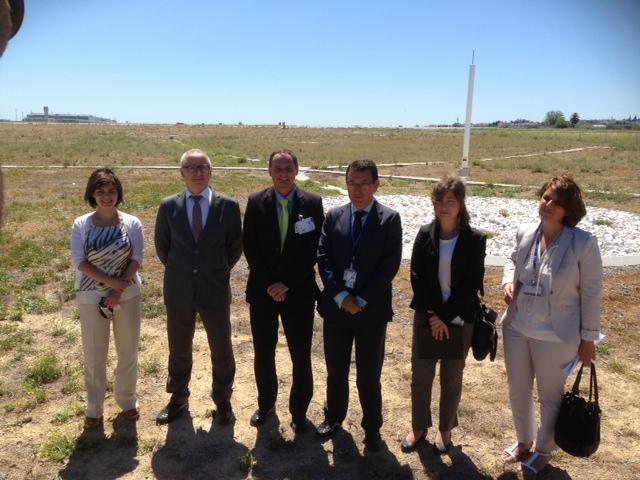 Principales responsables de ENAIRE y AENA Aeropuertos de la puesta en servicio del sistema GBAS en el Aeropuerto de Málaga. (fuente: Diariosur)