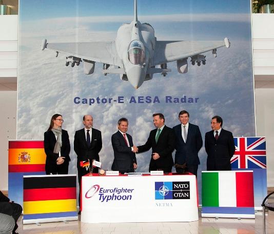 Informe militar confirma al Eurofighter y al F-22 Raptor como los