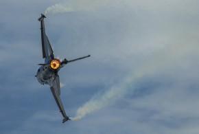 El F-16 Turk demostrando su poderío