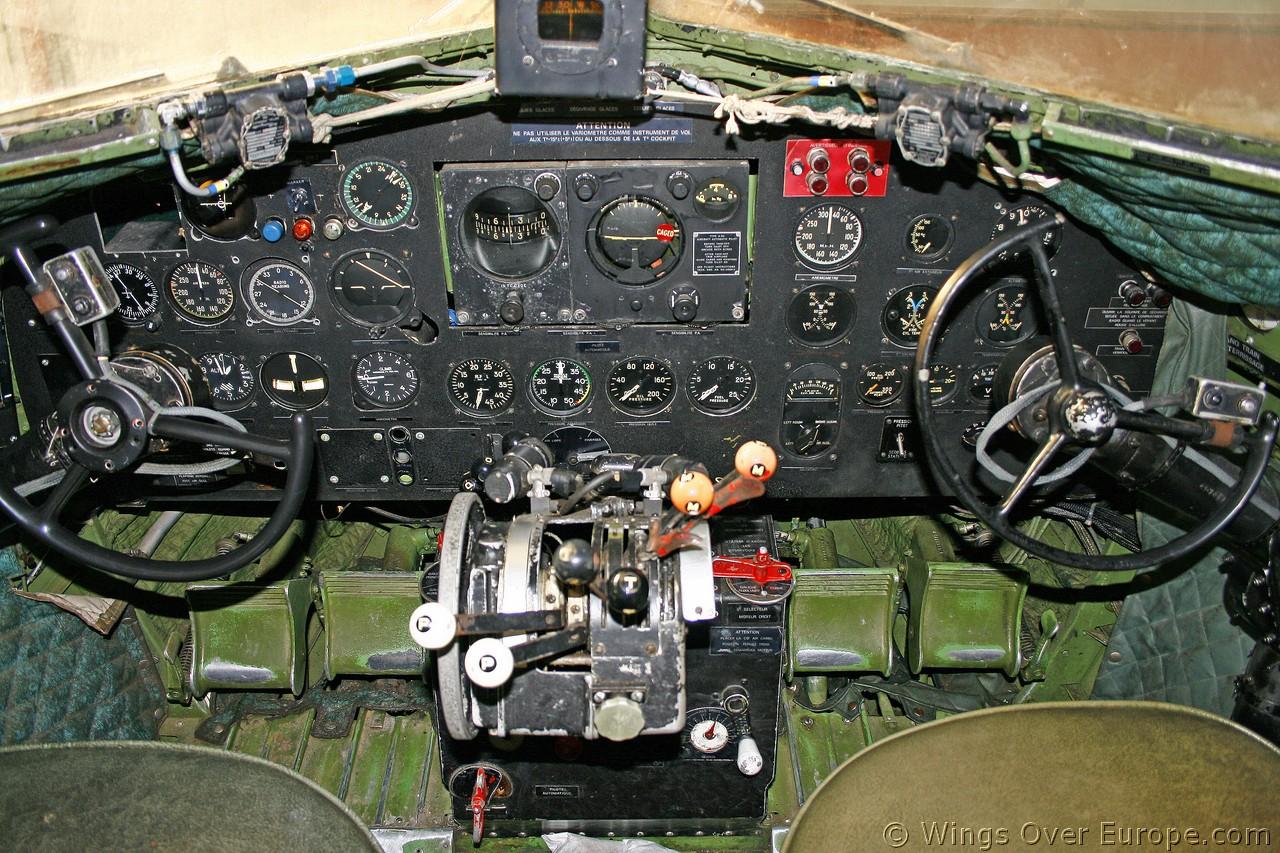 Cockpit de un DC-3