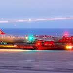 AUTOR: Luciano Fumero OPERADOR: Jet2 ARONAVE: Boeing B-757-21B REGISTRO: G-LSAG LUGAR: Tenerife Sur - Reina Sofia (TFS / GCTS)