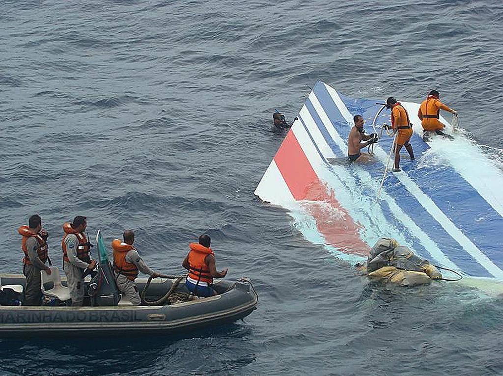 Recuperación de los restos del vuelo AirFrance 447- Océano Atlántico