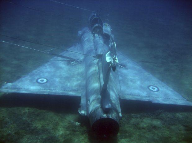 Recuperación de los restos avión caza MIRAGE 2000 en el fondo del mar (Hellenic Air Force)