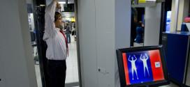 Arco detector milimétrico instalado en el Aeropuerto de Schipol
