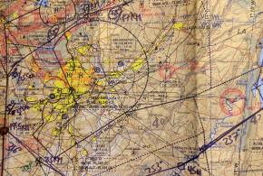 Una carta aeronáutica, con algunos waypoints señalados en la imagen (Autor).