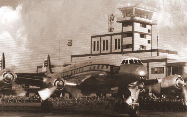 Lockheed L-1049G Super Constellation de Cubana en el aeropuerto de    Rancho Boyeros, actual Jose Martí, La Habana