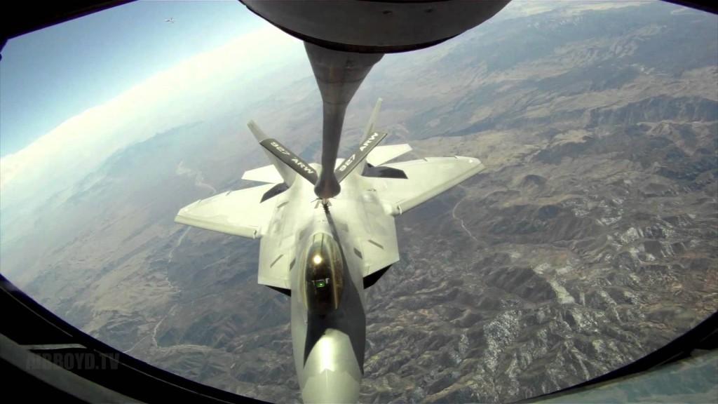 F-22 con sistema de boom