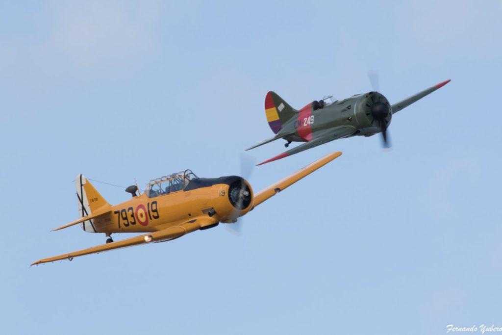 El North American T-6 y el Polikarpov I-16, plano con plano. (foto Fernando Yubero)