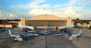 Foto: Aviones de la NOAA en su base de la Base Aérea MacDill en Tampa, Florida. Foto NOAA