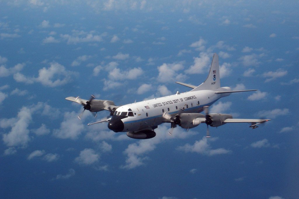 Lockheed WP-3D Orión en vuelo. Foto: NOAA