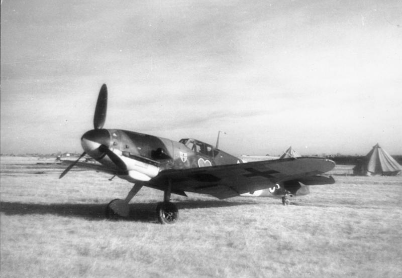 Un Bf 109 G-2 en agosto de 1942 similar al de Hartmann. Foto: Bundesarchiv, wikipedia