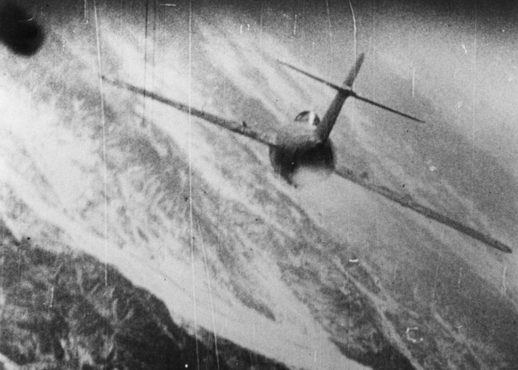 Mig-15 siendo atacado por un F-86 Sabre. Fotograma de la cámara abordo. Foto: National Museum of the USAF