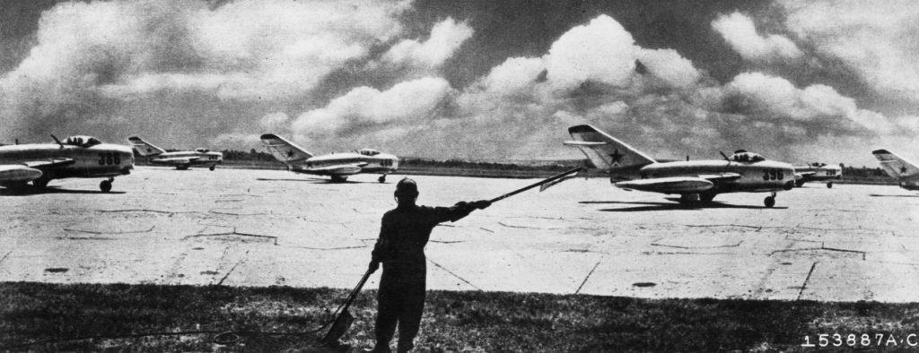 Mig-15 soviéticos preparados para despegar durante la Guerra de Korea. Fuente: Aces Flying High