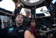 Los miembros de la tripulación de la Expedición 50 Thomas Pesquet de la ESA (Agencia Espacial Europea) y Peggy Whitson y Shane Kimbrough de la NASA  durante el entrenamiento de robótica dentro de la Cúpula de la Estación Espacial Internacional. Foto: NASA