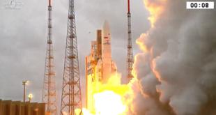Ariane_5_liftoff_2