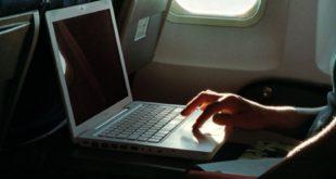 laptop_airplane