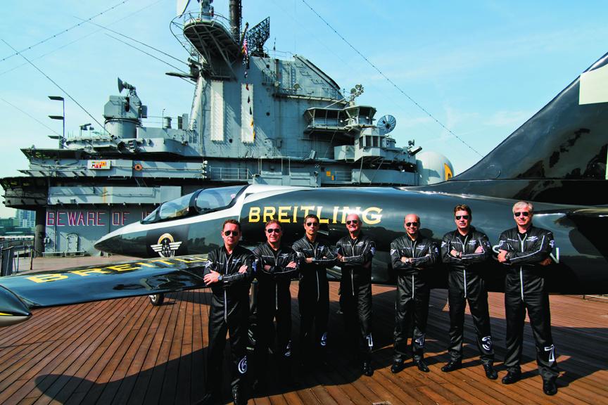 Pilotos de Breitling en el Intrepid