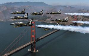 Sobrevolando el Golden Gate, San Francisco - Gira Americana. Foto: Breitling.
