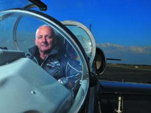 Jacques Bothelin, conocido como Speedy, líder de la patrulla. Foto: Breitling.