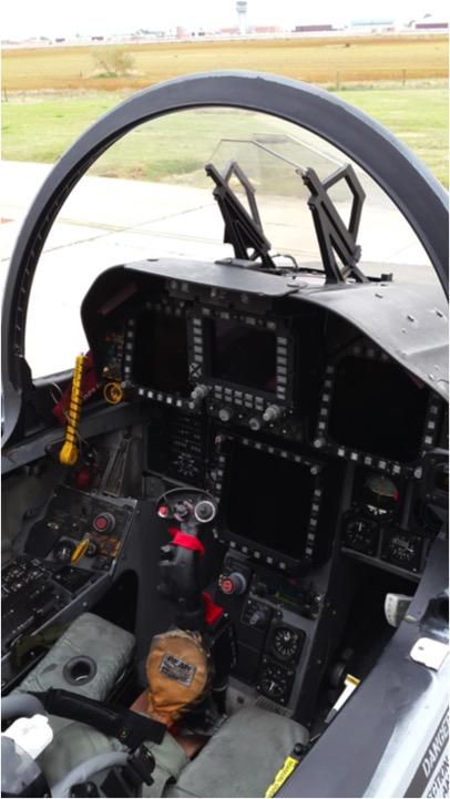 Foto: Cabina del F-18 en el CLAEX por RMH