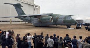 Roll Out del avión de transporte militar de Embraer KC-390 Foto: (Nelson Almeida/AFP via Getty Images)