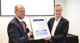 Raimonds Gruntins de IATA (a la izquierda) y Bruno Claeys de Evelop (a la derecha)