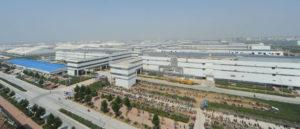 El complejo de la empresa en ZAEZ, Zhengzhou, que fabrica la mayoría de los iPhones del mundo.