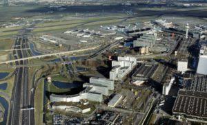 Vista de empresas alrededor del aeropuerto de Schipol.