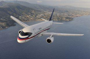 Sukhoi_Superjet_100_(RA-97004)