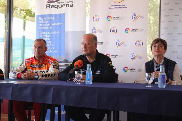 Castor Fantoba, Santiago Martí e Irene Fasini durante el acto de presentación del Campeonato