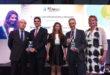 De izquierda a derecha, Javier Marín, director general de Negocio Regulado de Aena y Jesús Caballero, director del Aeropuerto de Sevilla, junto con representantes del Aeropuerto de Bristol también premiado.