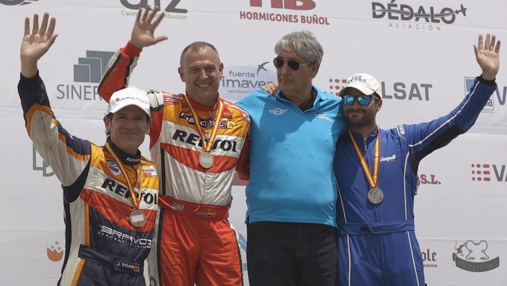 Cástor Fantoba, Alex Balcells y Juan Velarde en el podio final de la categoría de freestyle CEVA