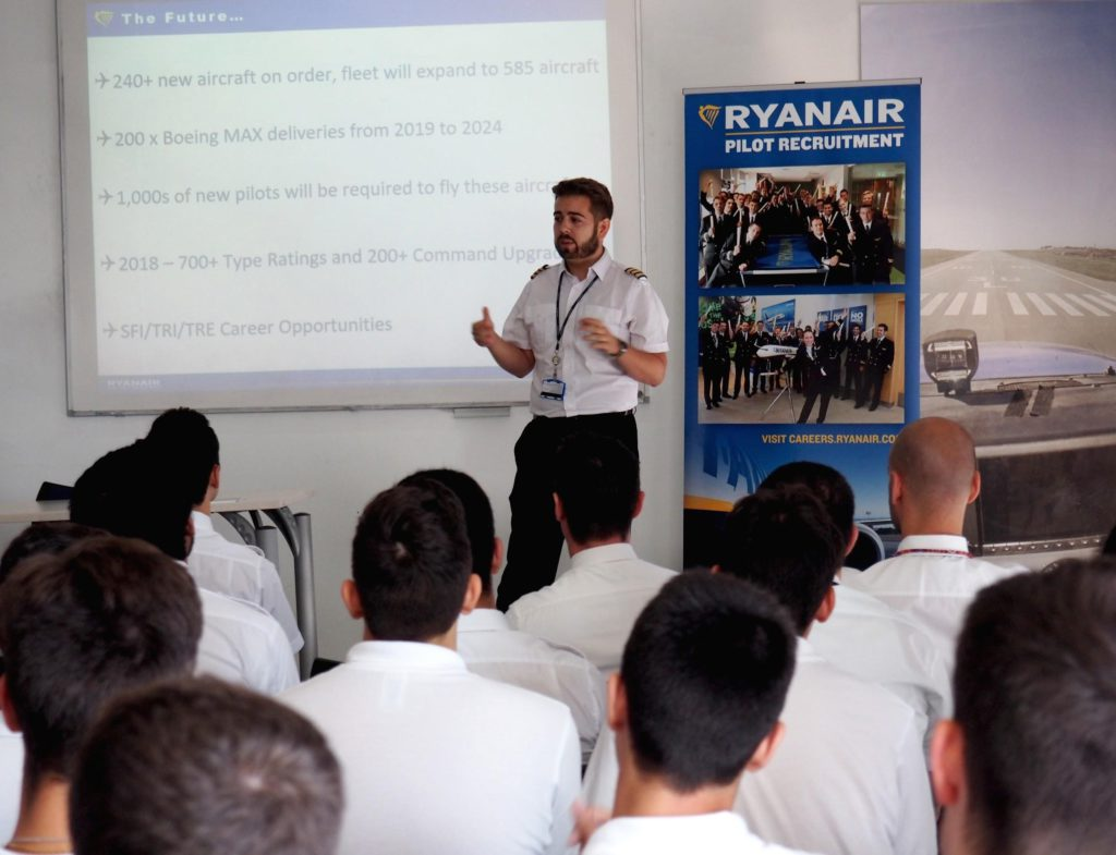 Barcelona Flight School Ryanair