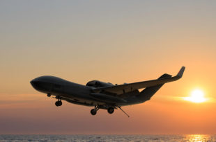 GA-ASI_MQ-25_04_Sunset1
