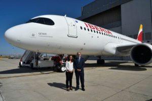 El A320neo, el avión de la flota de corto y medio radio de la compañía, ya luce el nombre de Getafe, cuna de la aviación española.
