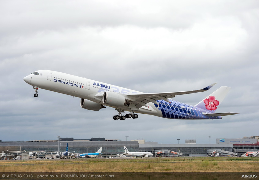 A350-900-China-Airlines-MSN239-take-off-
