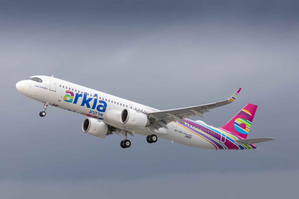 A321LR-ARKIA-takeoff-