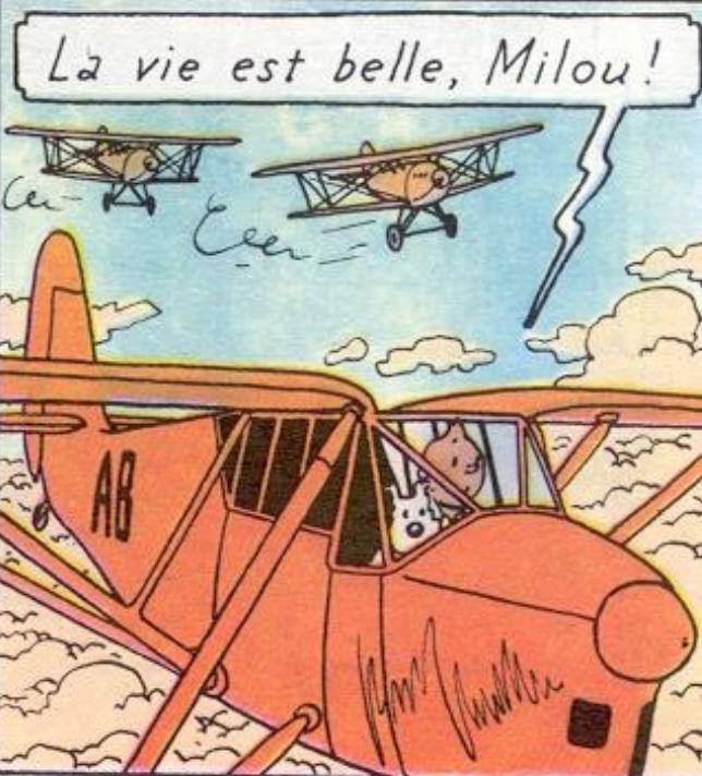 """La  Puss Moth de  Tintín a punto de  ser derribada por  los Hawker Hart en  """"Los cigarros del  Faraón"""""""