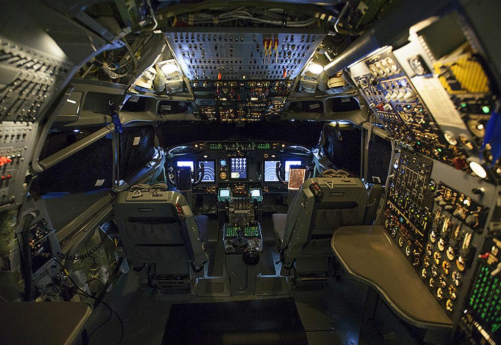 AWACS_FlightDeck